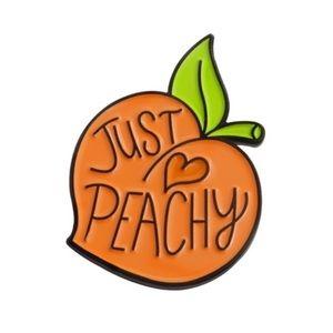 Jewelry - Just Peachy 🍑 pin brooch